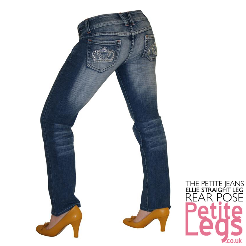 A size 28 in jeans for women equals a size 6, or a measurement of 28 inches at the pant's waist. For men, a size 28 equals a waist measurement of 29 3/4 inches. Sizing for women's denim is fairly simple; the measurement of the waist of a pair of jeans equals the size's number.